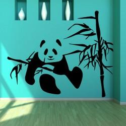Sticker panda mangeant des feuilles de bambous